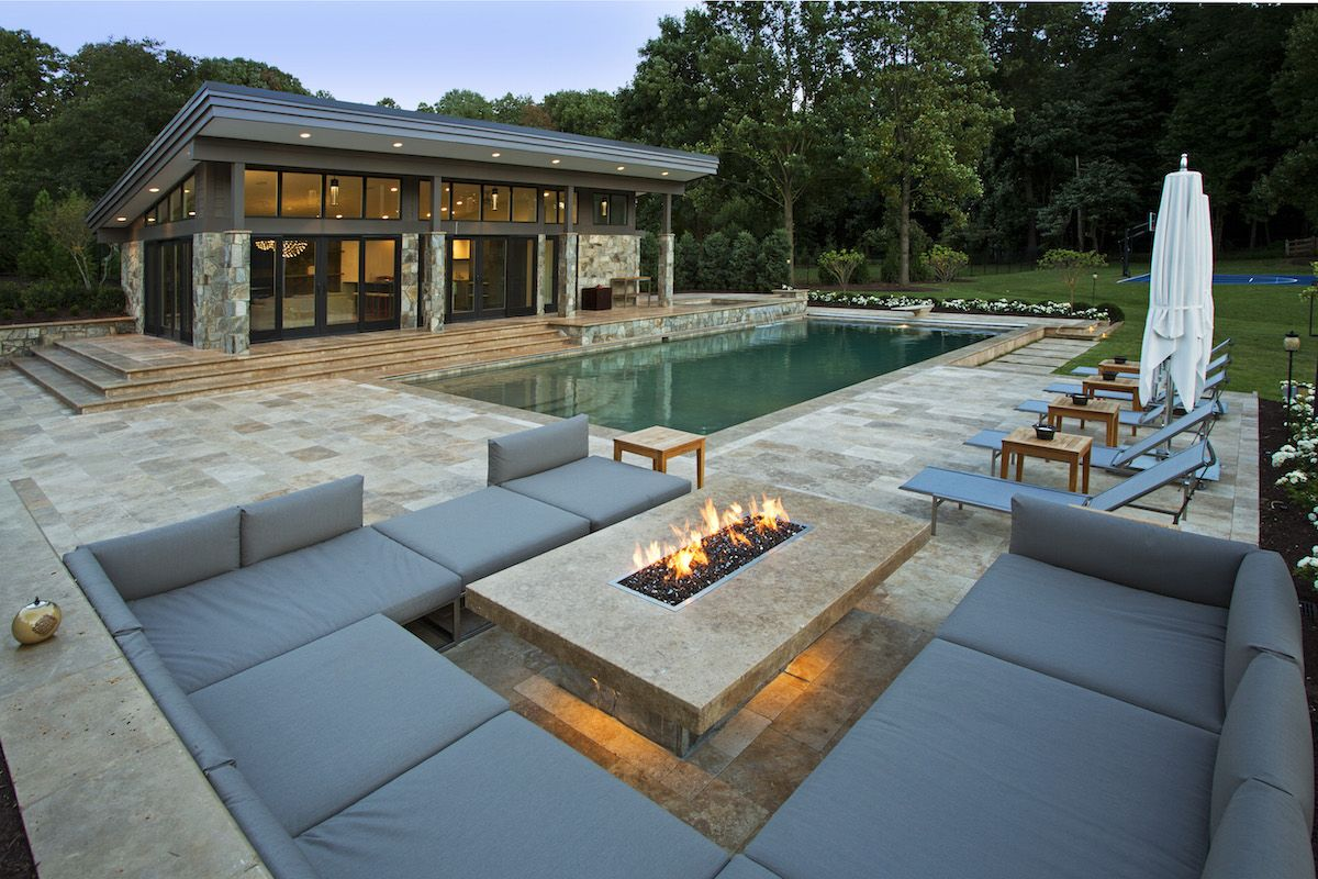 What's New in Stylish Modern Home Fire Pits?